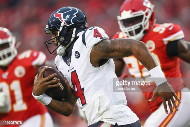 Deshaun Watson of the Houston Texans runs the ball against the Kansas City Chiefs during the third quarter in the AFC Divisional playoff game at...