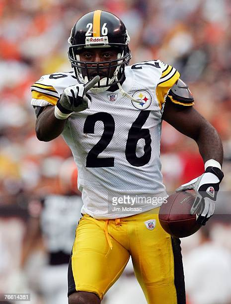 Deshea Townsend of the Pittsburgh Steelers taunts the fans of the Cleveland Browns after his first quarter interception during their season opening...