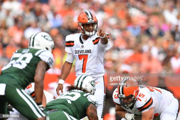DeShone Kizer of the Cleveland Browns calls a play in the first half against the New York Jets at FirstEnergy Stadium on October 8 2017 in Cleveland...