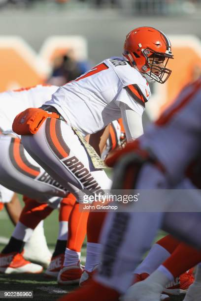 DeShone Kizer of the Cleveland Browns lines up under center during the game against the Cincinnati Bengals at Paul Brown Stadium on November 26 2017...