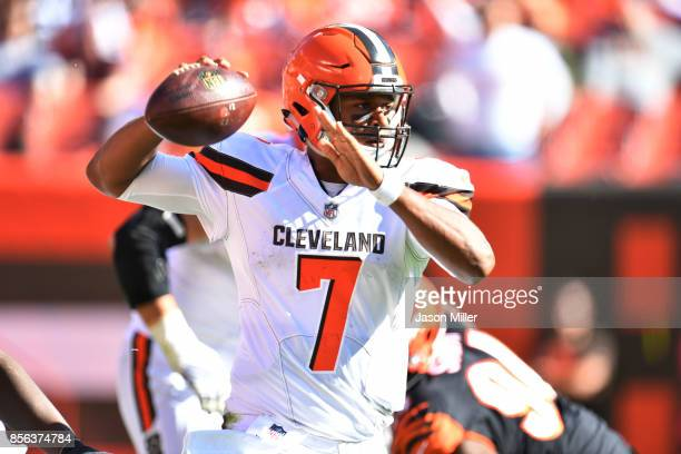 DeShone Kizer of the Cleveland Browns throws the ball in the second half against the Cincinnati Bengals at FirstEnergy Stadium on October 1 2017 in...