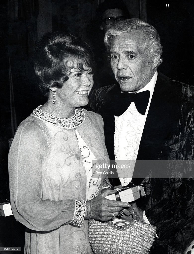 desi-arnaz-and-wife-during-1976-horse-ba
