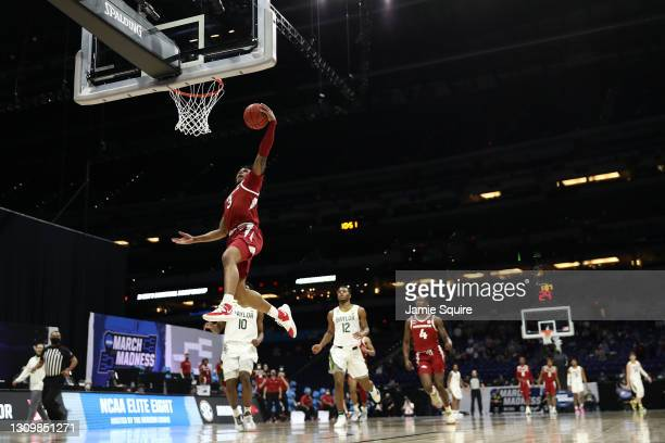 Desi Sills of the Arkansas Razorbacks shoots the ball against the Baylor Bears during the first half in the Elite Eight round of the 2021 NCAA Men's...