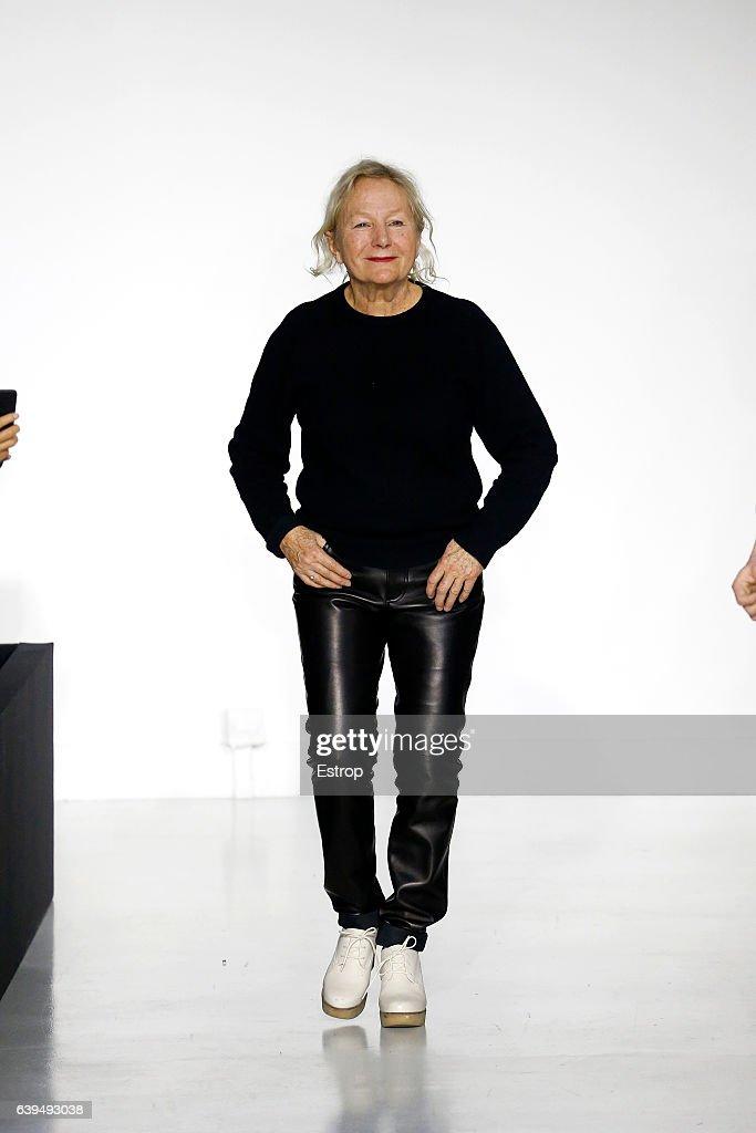 Agnes B : Runway - Paris Fashion Week - Menswear F/W 2017-2018