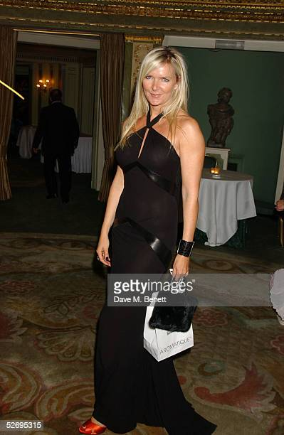 Designer Amanda Wakeley attends the UK FiFi Awards at The Dorchester on April 25 2005 in London England The awards mirror the International FiFi...