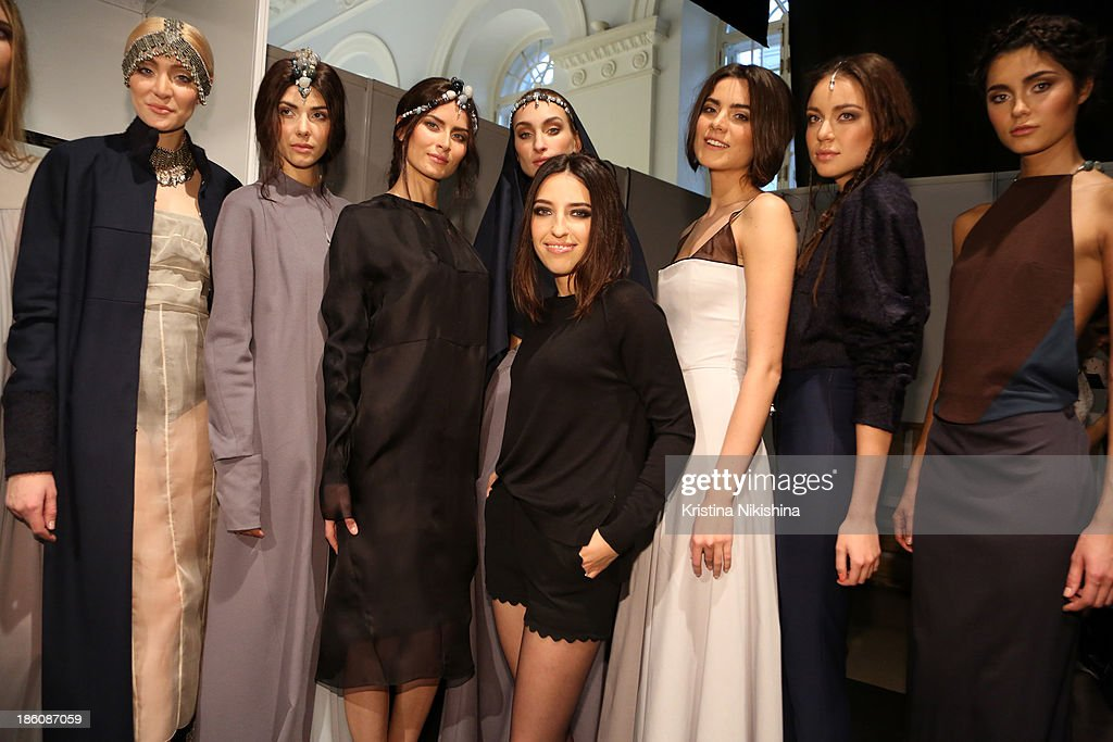 A Designer And Her Models Are Seen Backstage At The Best Collections News Photo Getty Images