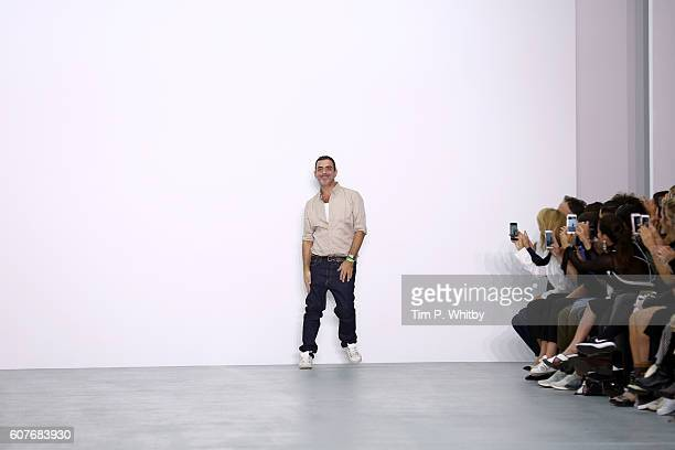 Designer Antonio Berardi appears on the runway at the Antonio Berardi show during London Fashion Week Spring/Summer collections 2017 on September 19...