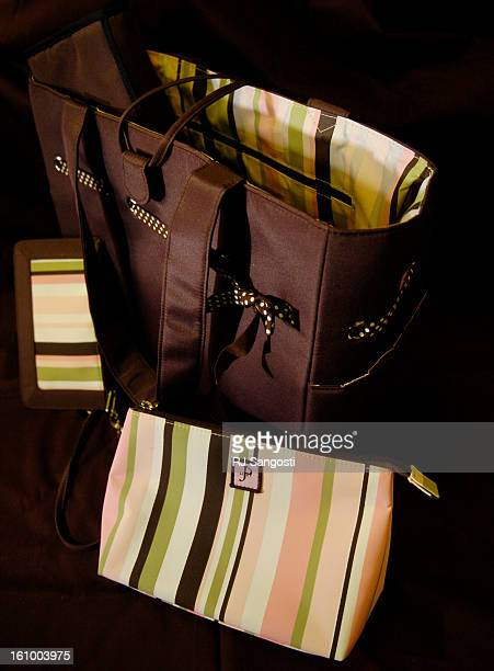 COLO NOV 10 2005 A designer bags from Wendy<CQ> Barry<CQ> of JP Lizzy designs handbags and diaper bags is on sell Thursday Nov 10 2005 at the Pink...