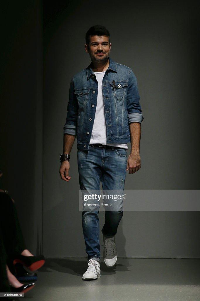 Cihan Nacar Runway - Mercedes-Benz Fashion Week Istanbul Autumn/Winter 2016
