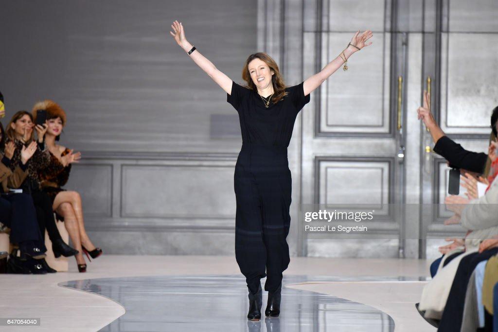 Chloe: Runway - Paris Fashion Week Womenswear Fall/Winter 2017/2018 : Nachrichtenfoto