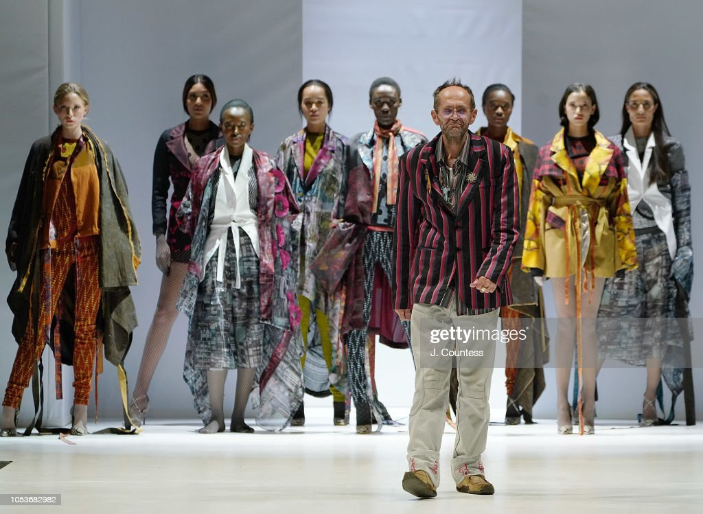 Designer Clive Rundle Walks In Clive Rundle Fashion During The Clive News Photo Getty Images