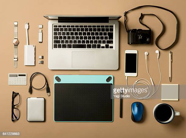 designer daily supplies shot knolling style. - flat lay stock pictures, royalty-free photos & images
