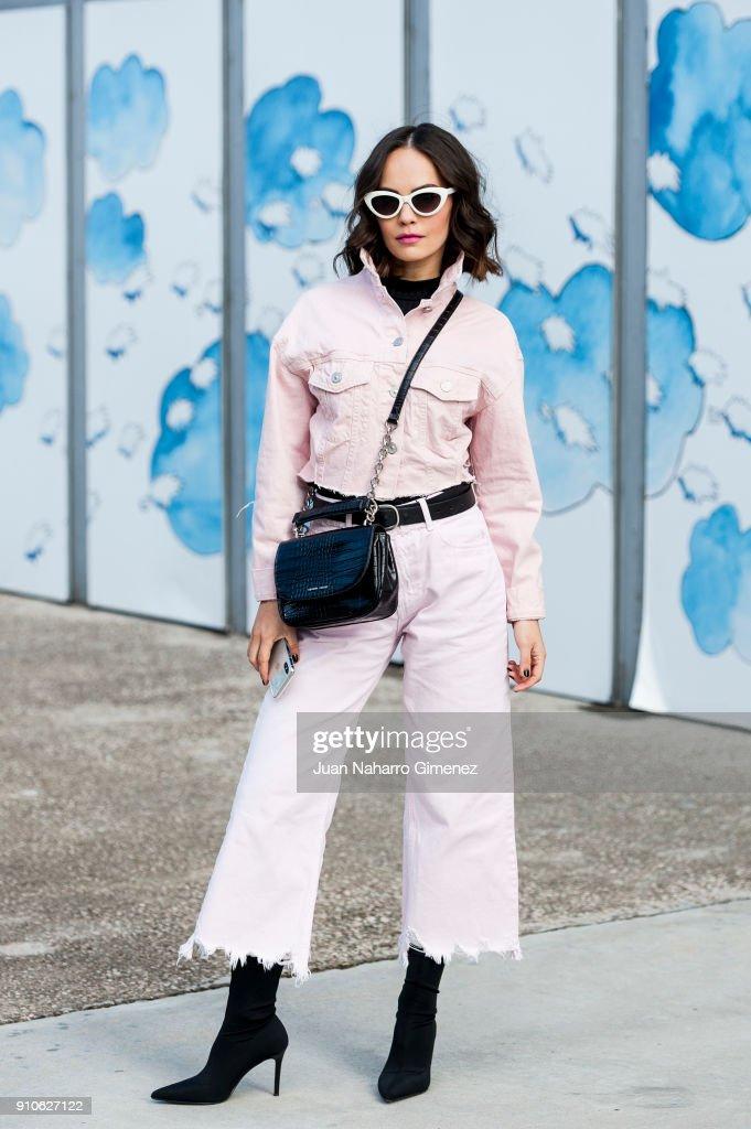Day 2 - Street Style - Mercedes Benz Fashion Week Madrid - January 2018 : News Photo