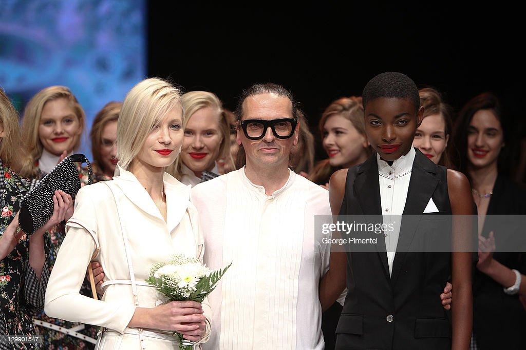 2011 LG Toronto Fashion Week Spring 2012 Collection - Denis Gagnon - Runway : News Photo