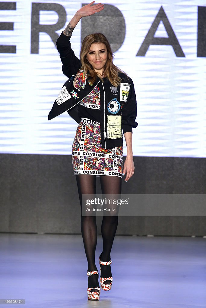 DB Berdan - Runway - Mercedes Benz Fashion Week Istanbul Fall/Winter 2015