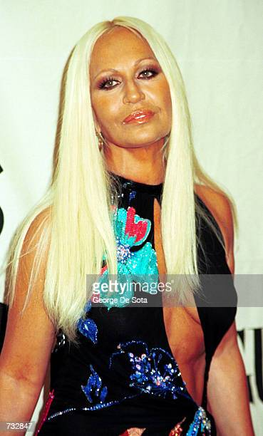 Designer Donatella Versace attends the 2000 VH1/Vogue Fashion Awards October 20, 2000 at the Theatre at Madison Square Garden in New York City.