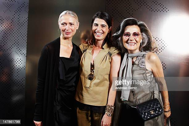 Designer Dorothee Schumacher poses with Christiane Arp and Angelica Blechschmidt backstage prior to the Schumacher show at MercedesBenz Fashion Week...
