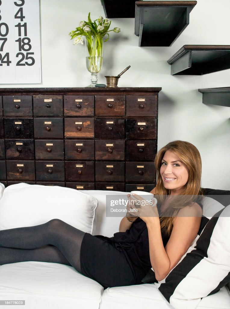 Genevieve Gorder, HGTV Magazine, February/March 2012