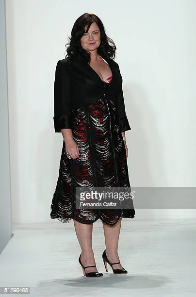 160 Jennifer Nicholson Fashion Designer Photos And Premium High Res Pictures Getty Images