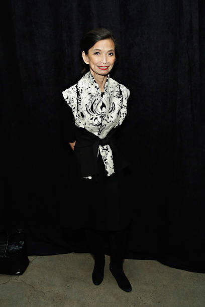 Fotos und bilder von josie natori backstage mercedes for Mercedes benz of music city