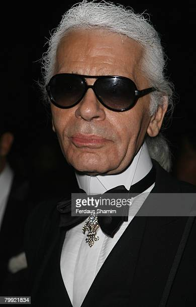 Designer Karl Lagerfeld arrives for the ChannelPre Autumn/Winter Collection Show at Phillip De Pury and Company on December 06 2007 in London England