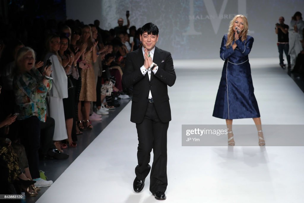 Malan Breton - Runway - September 2017 - New York Fashion Week : News Photo