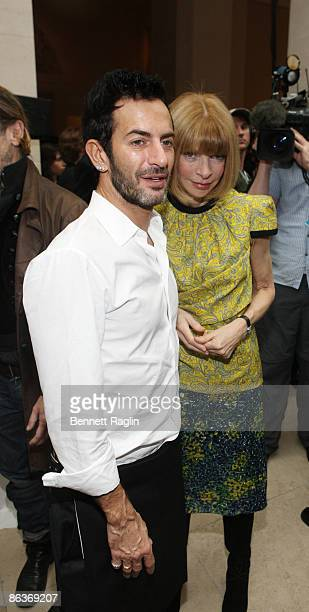 Designer Marc Jacobs and Anna Wintour Editorinchief of American Vogue attend'The Model As Muse Embodying Fashion' Costume Institute Gala press...