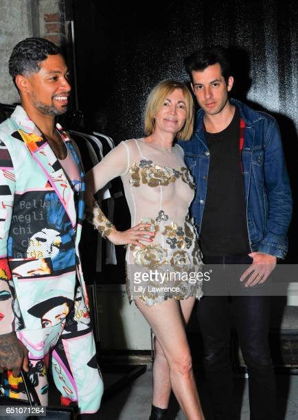 Designer Octavius Terry artist Karen Bystedt and musician Mark Ronson attend Karen Bystedt's 'Kings And Queens' exhibition on March 9 2017 in Los...