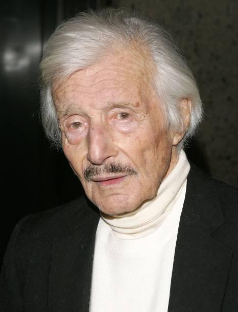 Fotos und Bilder von Fashion Designer Oleg Cassini Dies At Age 92 ...
