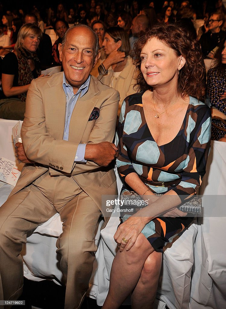 Designer Oscar de la Renta (L) and actress Susan Sarandon attend the Diane Von Furstenberg Spring 2012 fashion show during Mercedes-Benz Fashion Week at The Theater at Lincoln Center on September 11, 2011 in New York City.