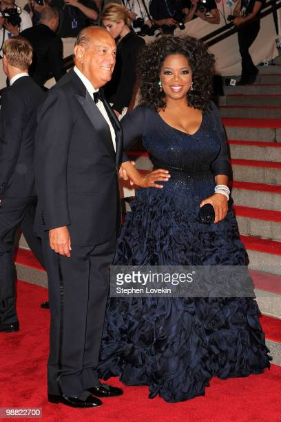 """Designer Oscar de la Renta and Oprah attend the Costume Institute Gala Benefit to celebrate the opening of the """"American Woman: Fashioning a National..."""