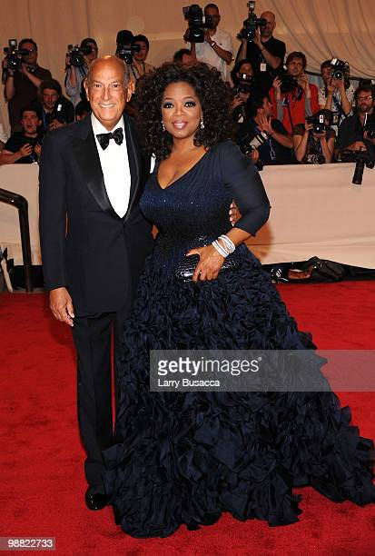 "Designer Oscar de la Renta and Oprah Winfrey attend the Costume Institute Gala Benefit to celebrate the opening of the ""American Woman: Fashioning a..."