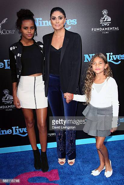 Designer Rachel Roy and daughters Ava Dash and Tallulah Ruth Dash attend the premiere of EuropaCorp's Nine Lives at the TCL Chinese Theatre on August...