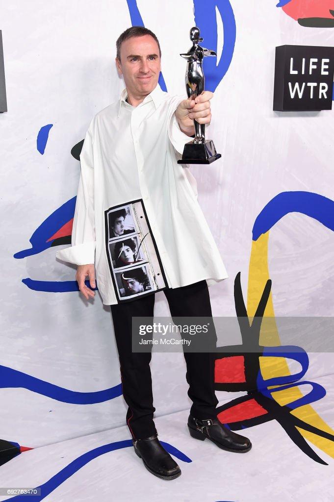 2017 CFDA Fashion Awards - Winners Walk