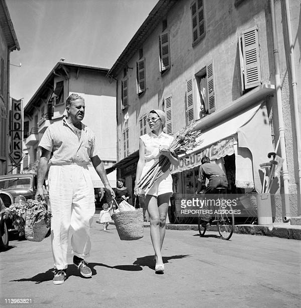 Designer Raymond Loewy's holiday in Southern France with wife Viola In Saint Tropez France In 1960Shopping with young wife Viola