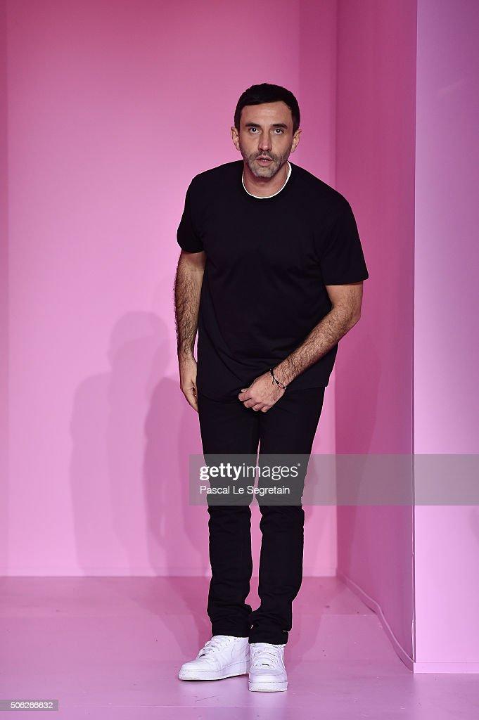 Givenchy : Runway - Paris Fashion Week - Menswear F/W 2016-2017