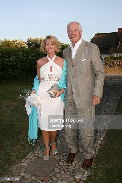 Designer Sandra Pabst On and husband Gerhard Pabst at The traditional crayfish from Economia Manfred_Baumann boss in the house Catherine on the...
