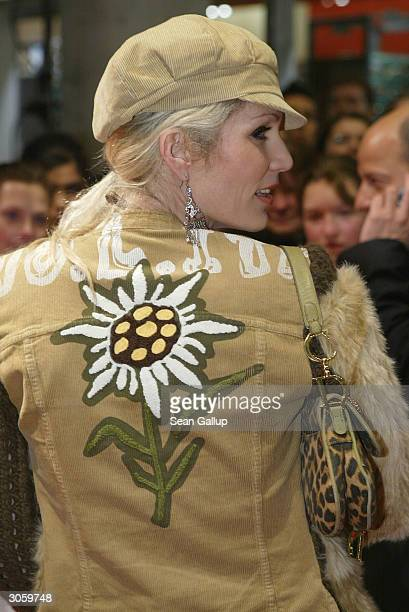 "Designer Sarah Kern attends the European premiere of ""Starsky And Hutch"" on March 9, 2004 in Munich, Germany."
