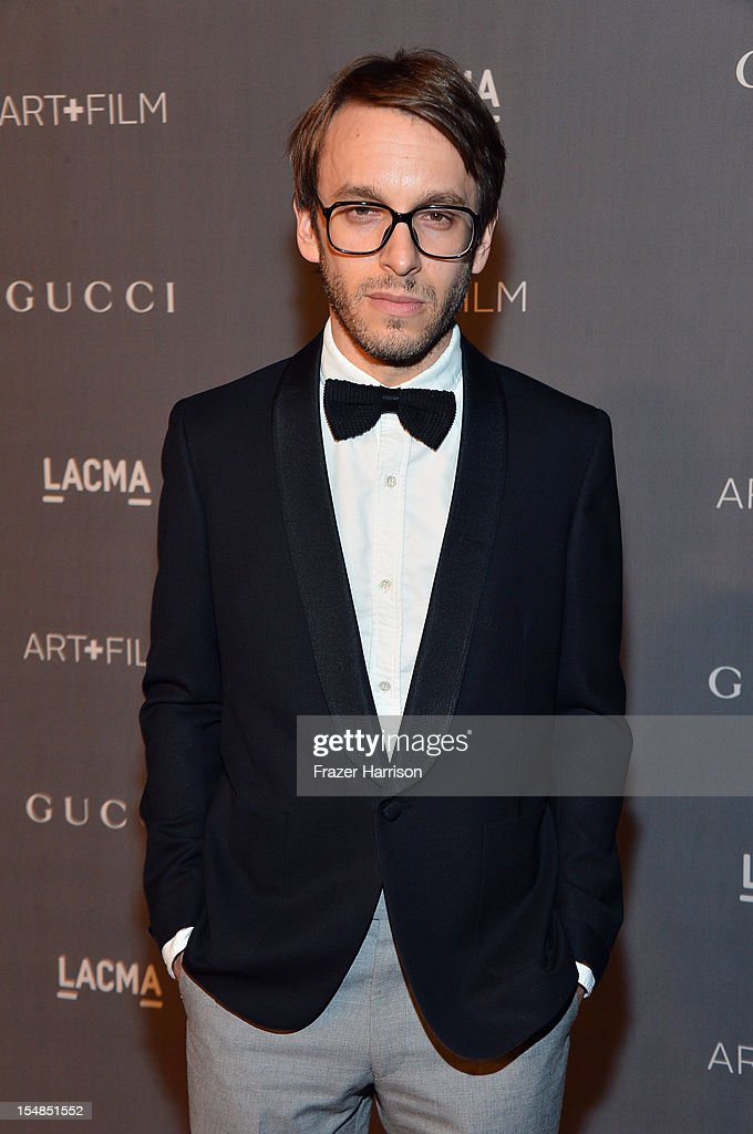 Designer Scott Sternberg arrives at LACMA 2012 Art + Film Gala Honoring Ed Ruscha and Stanley Kubrick presented by Gucci at LACMA on October 27, 2012 in Los Angeles, California.