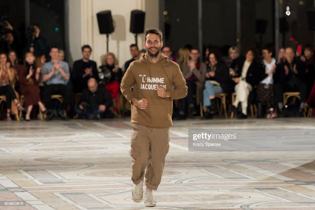 Jacquemus: Runway - Paris Fashion Week Womenswear Fall/Winter 2018/2019 : News Photo