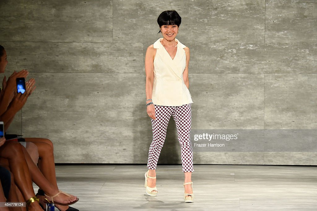 Son Jung Wan - Runway - Mercedes-Benz Fashion Week Spring 2015