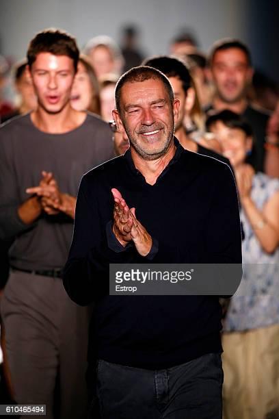 Designer Thomas Maier walks the runway at the Bottega Veneta designed by Thomas Maier show Milan Fashion Week Spring/Summer 2017 on September 24 2016...