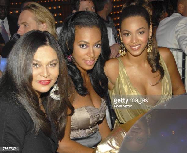 Designer Tina Knowles Solange Knowles and Singer Beyonce at the 2007 MTV Video Music Awards at The Palms on September 9 2007 in Las Vegas Nevada