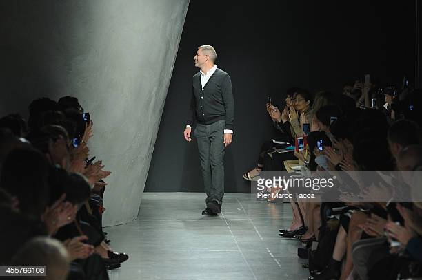 Designer Tomas Maier acknowledges the applause of the public after the the Bottega Veneta Show as part of Milan Fashion Week Womenswear Spring/Summer...
