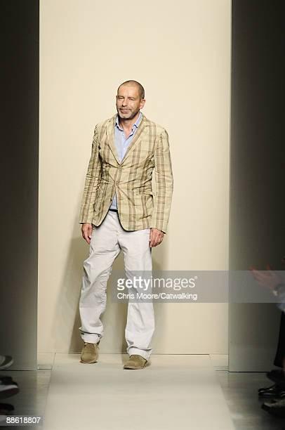 Designer Tomas Maier walks the runway during the Bottega Veneta fashion show at Milan Fashion Week Menswear Spring/Summer 2010 on June 21, 2009 in...