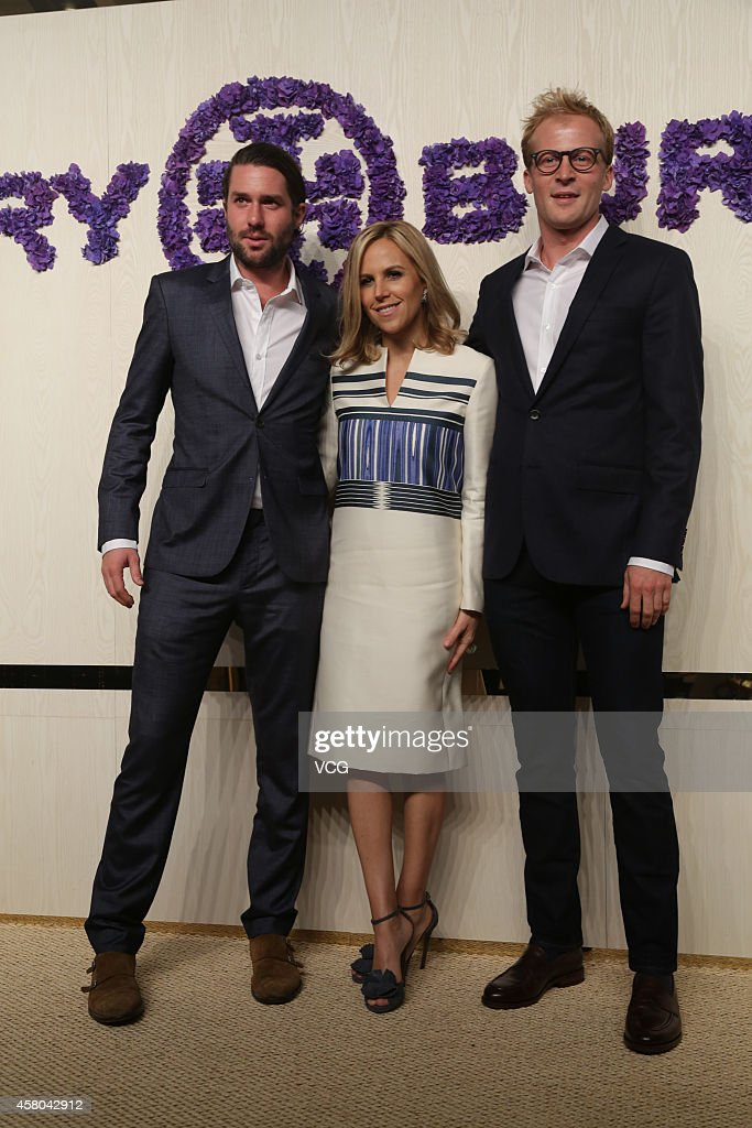 Designer Tory Burch (C) attends Tory Burch flagship store opening ceremony at Kerry Center on October 29, 2014 in Shanghai, China.