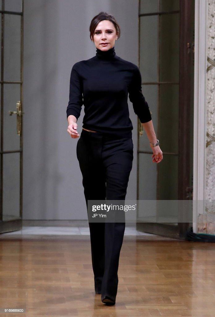 Victoria Beckham - Runway - February 2018 - New York Fashion Week : News Photo