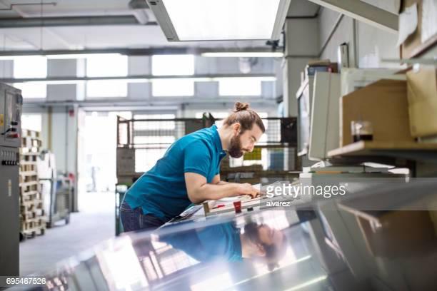 Designer arbeiten bei Druckerei