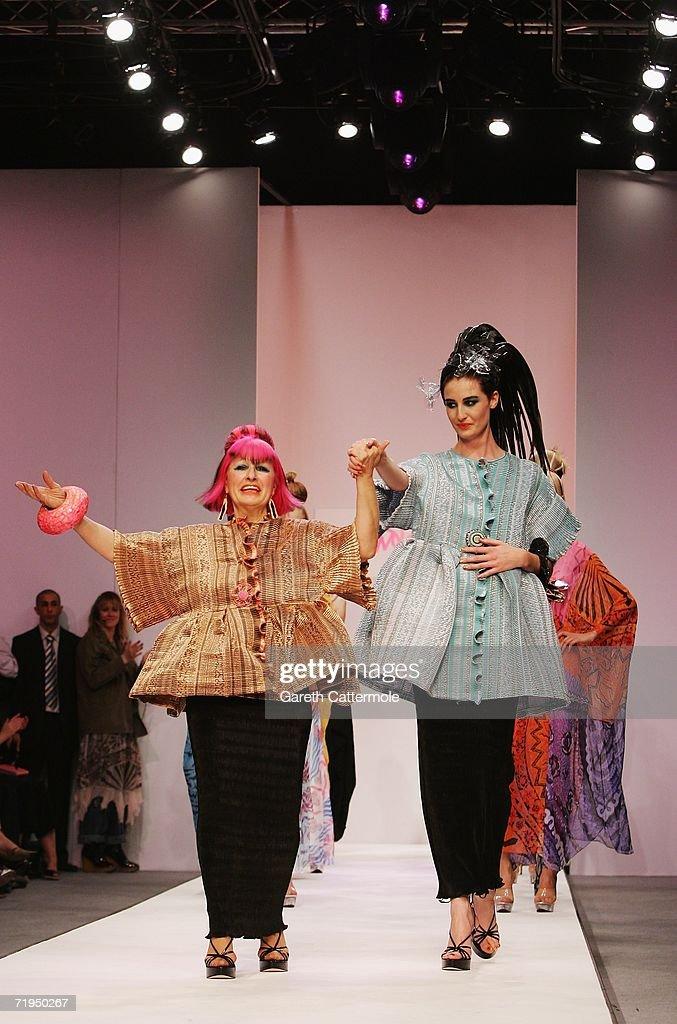 GBR: London Fashion Week - Zandra Rhodes : News Photo