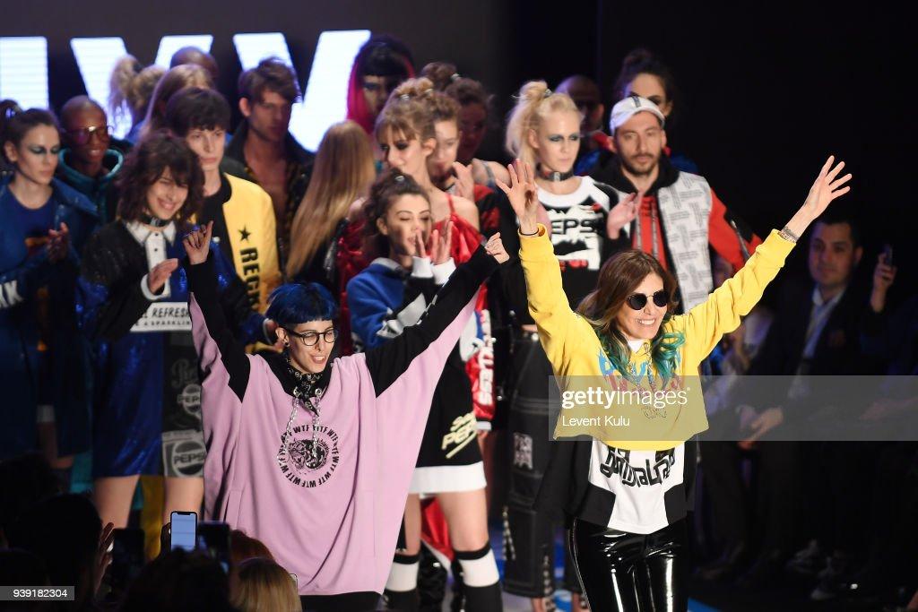 DB Berdan - Runway - Mercedes Benz Fashion Week Istanbul - March 2018 : News Photo